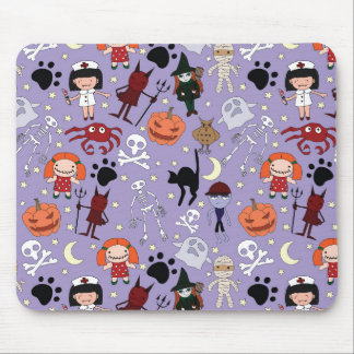 Disfraces de Halloween en púrpura Mouse Pads