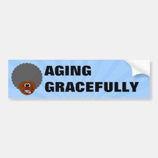 Disfrutando del envejecimiento agraciado en la seg pegatina de parachoque