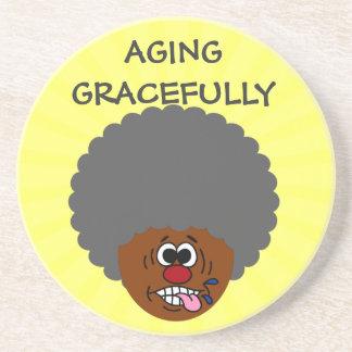 Disfrutando del envejecimiento agraciado en la seg posavasos para bebidas