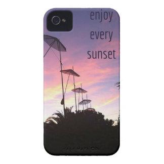 disfrute de cada puesta del sol Case-Mate iPhone 4 cárcasas