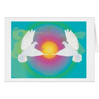 Disfrute de la vida diaria con las palomas tarjeta de felicitación