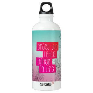 Disfrute de la yoga de la vida botella de agua