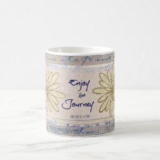 Disfrute del viaje; Un paso a la vez cita Taza Clásica