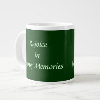 Disfrute en memorias cariñosas taza extra grande