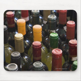 dispaly fo wine bottles in market, Campo di Mouse Pad