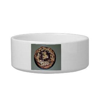 Display of Pizza Pet Food Bowl