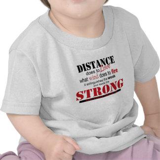 distancia fuerte camisetas