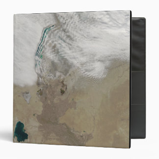 Distinctive lines of clouds 3 ring binder