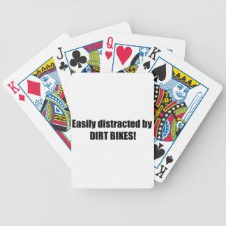 Distraído fácilmente por las bicis de la suciedad baraja cartas de poker