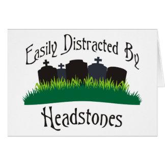 Distraído fácilmente por las lápidas mortuorias tarjeta de felicitación