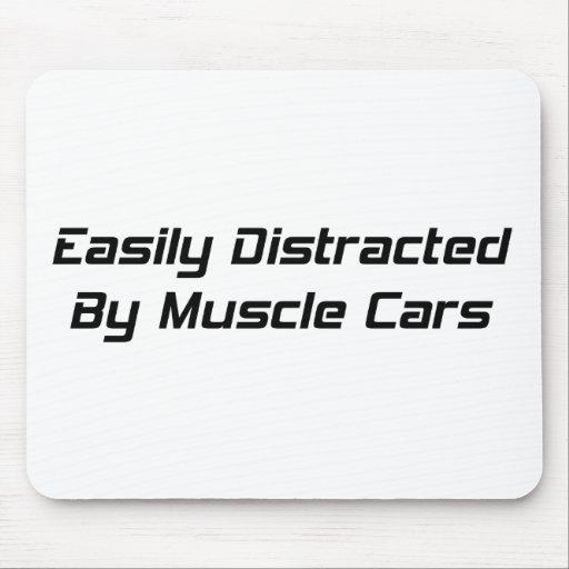 Distraído fácilmente por los coches del músculo po alfombrilla de raton