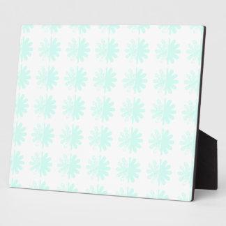 Distressed Petal Snowflake Pattern Plaque