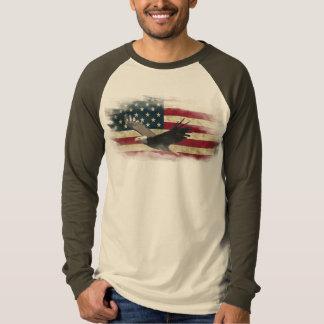 Distressed US Flag, Bald Eagle in Flight Design T-shirt