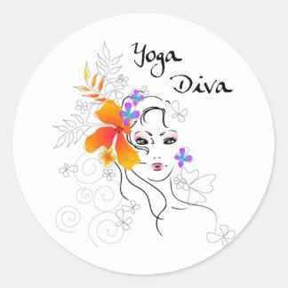 Diva de la yoga pegatina redonda