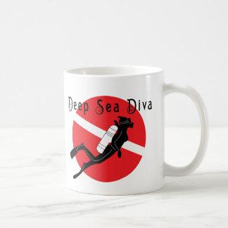 Diva del mar profundo taza de café