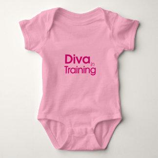 Diva en el entrenamiento remera