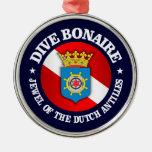 Dive Bonaire (rd) Round Metal Christmas Ornament