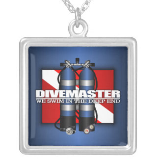 Divemaster (los tanques del equipo de submarinismo collar plateado