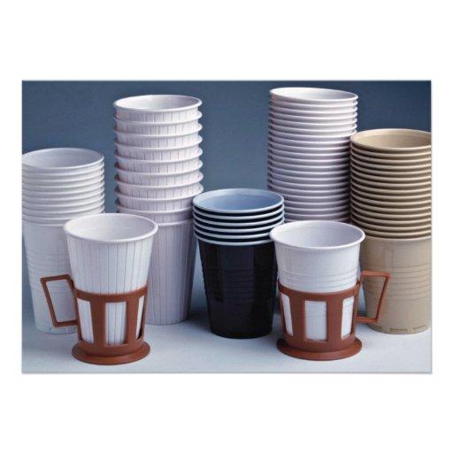 Diversa foto plástica de las tazas de consumición comunicado personal