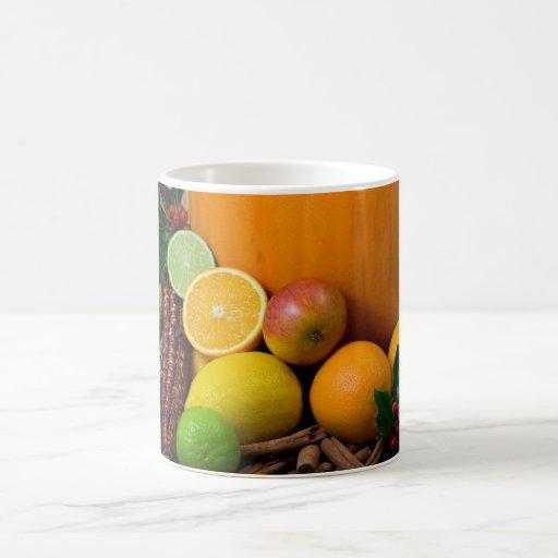Diversas frutas taza básica blanca