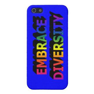 Diversidad del abrazo iPhone 5 carcasas