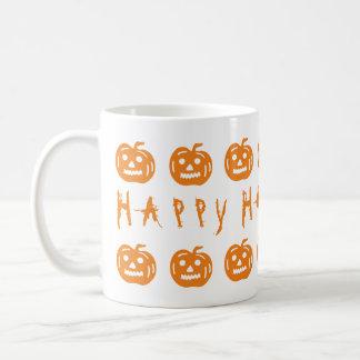 Diversión anaranjada fantasmagórica de las taza básica blanca