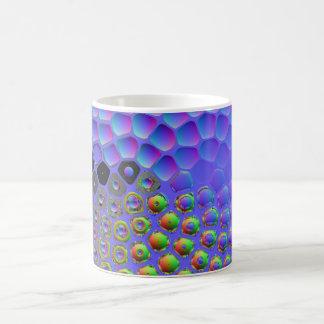 Diversión con la refracción tazas de café