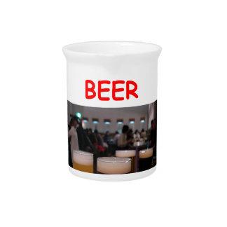 diversión de la cerveza jarras