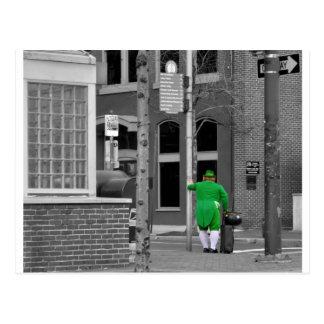 Diversión de la ciudad del Leprechaun Postales