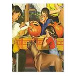 Diversión de la familia en Halloween Postal