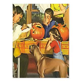 Diversión de la familia en Halloween Postales