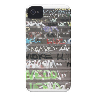 Diversión de la juventud de la vida de la pintada iPhone 4 Case-Mate cárcasa