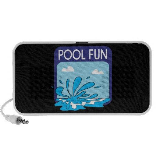 Diversión de la piscina laptop altavoces