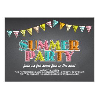 Diversión de la pizarra del fiesta del verano en l invitación personalizada