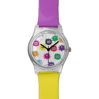 Diversión del arco iris con Furbles n Fuzzles Reloj