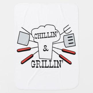 Diversión del Bbq de Chillin y de Grillin Mantitas Para Bebé