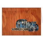Diversión del campamento de verano felicitación