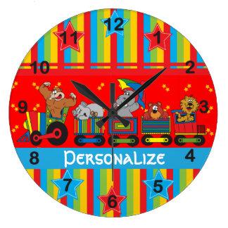 Diversión del circo para cada uno tema del cuarto reloj redondo grande
