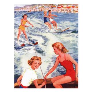 Diversión del esquí acuático del verano postales