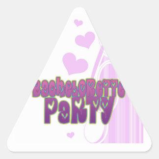 diversión del fiesta del bachelorette del corazón pegatina triangular