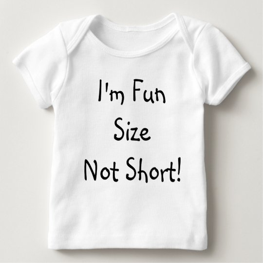 Diversión del humor que dice no soy camisa corta