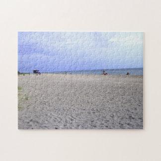Diversión en el rompecabezas de la playa