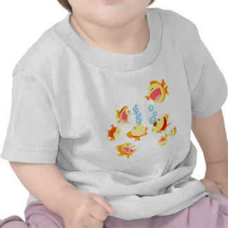 Diversión en la camiseta del bebé del dibujo