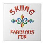 Diversión fabulosa de esquí azulejos