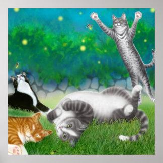 Diversión felina con el poster de las luciérnagas