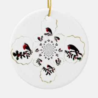 Diversión festiva del petirrojo del acebo adorno redondo de cerámica