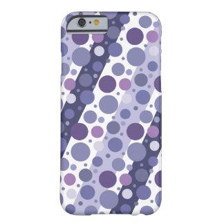 Diversión púrpura retra moderna del lunar funda barely there iPhone 6
