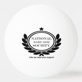 Diversión sarcástica del sarcasmo de la sociedad pelota de tenis de mesa