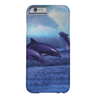 Diversión y juego de los delfínes funda barely there iPhone 6