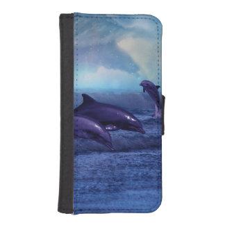Diversión y juego de los delfínes funda tipo billetera para iPhone 5